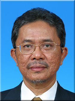 Tindakan mengheret Ketua Umum Parti Keadilan Rakyat (KeADILan), Dato' Seri Anwar Ibrahim ke mahkamah sebaik sahaja pengumuman mengenai Pilihan Raya Kecil Permatang Pauh dibuat adalah usaha menghalang beliau menyertai pilihan raya tersebut - Dato' Kamarudin Jaffar