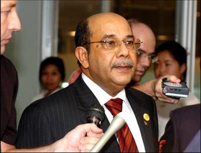 Saiful Bukhari Azlan tidak didakwa  di mahkamah bersama Datuk Seri Anwar Ibrahim dalam tuduhan liwat kerana dia merupakan pengadu yang mendakwa diliwat oleh penasihat Parti Keadilan Rakyat itu.Patutkah kita mendakwa orang yang membuat laporan.tulah cara sistem perundangan...yang penting ialah wujudnya keadilan - Syed Hamid
