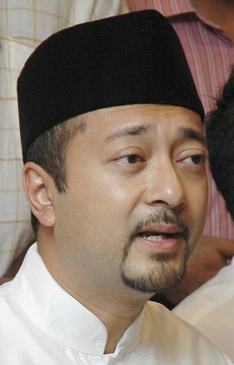 Umno ketika ini memerlukan pembaharuan dalam parti dan beliau menyeru supaya peluang diberikan kepada anggota-anggota untuk menentukan sendiri kepimpinan parti- Mukhriz