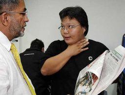 AMK Pulau Pinang ingin menegaskan bahawa pemuda yang mencekik leher wartawan terbabit bukan daripada Angkatan Muda Parti Keadilan Rakyat.Berdasarkan gambar yang tersiar di dalam web akhbar terbabit, pihak AMK dapati pemuda terbabit tidak memakai pakaian rasmi AMK negeri atau petugas AMK negeri - Aidi Rafizul Idrus