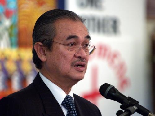 Barisan Nasional akan berusaha merampas kembali kerusi Parlimen Permatang Pauh dan tidak akan memberi kemenangan percuma kepada Penasihat Parti Keadilan Rakyat (PKR), Datuk Seri Anwar Ibrahim-Abdullah