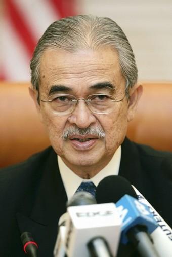 Abdullah kini dilihat sebagai pemimpin yang sudah tidak dapat mengawal parti dan kerajaan