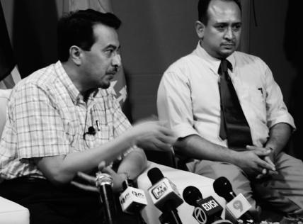 Blogger tersebut mencetuskan kontroversi baru-baru ini selepas melancarkan kempen di talian supaya bendera Malaysia dikibarkan terbalik.