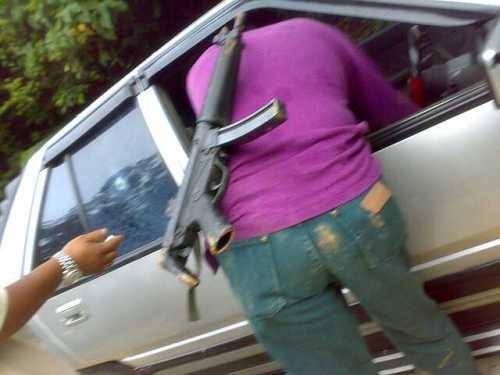Siasatan kami senjata dalam kes berkenaan bukan sahaja sepucuk pistol biasa malahan juga turut melibatkan dua pucuk senapang Raifel M15