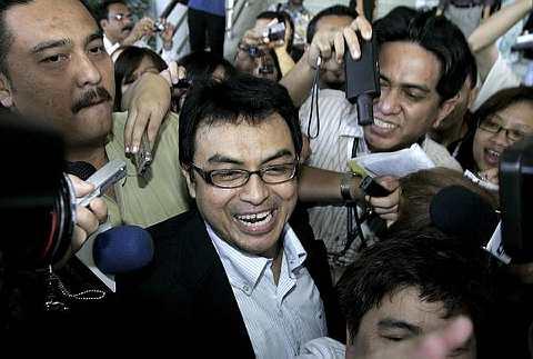 Hakim Datuk Mohd Zaki Md Yasin memutuskan pihak pendakwa gagal membukti kes prima facie terhadap penganalisis politik