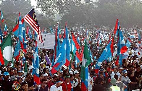 Penggunaan dakwat kekal hanya akan menghalang mereka dari mengundi lebih dari sekali. Olih itu ianya tidak bolih dilaksanakan dalam PRK ini nanti kerana penggunaannya hanya mengundang padah pada UMNO.