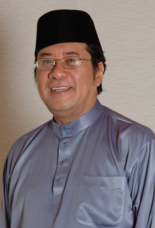 Kalau tidak membantu PKR sendiri, kita tidak hairan tetapi yang menjadi masalah kepada rakyat adalah kenapa UMNO masih mendapat kelebihan seperti yang mereka rasa sebelum ini.