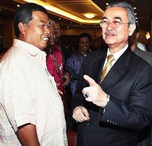 """Mungkin """"tidak dengar kata"""" Mat Said akan terus berlaku dalam menentukan calon di PRK Kuala Terengganu akan datang ini. Kalau dilihat kepada peristiwa-peristiwa lepas, maka tiada sebab Mat Said akan beralah dalam bab ini. Sudah pasti orang yang dia nak mesti akan dapat jadi calon."""