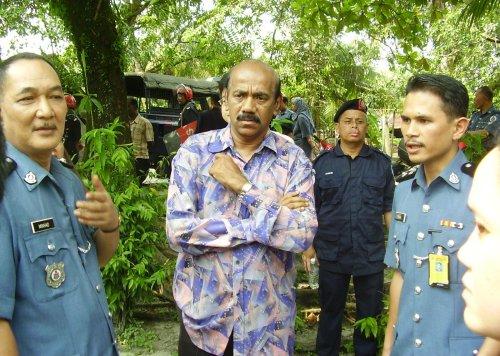 Dato' Siva Subramaniam , Ahli Suruhanjaya SUHAKAM akan mengadakan lawatan dan mendengar serta melawat sendiri masalah penduduk Kg. baru Plentong Tengah ini jam 2.00 Petang.