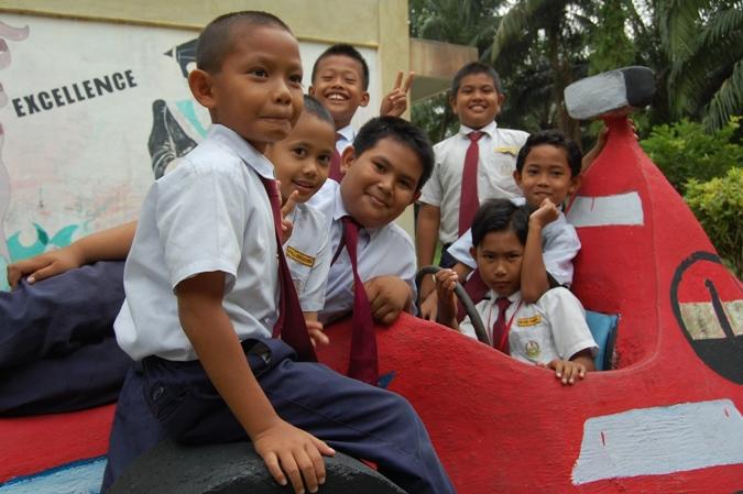 gambar budak sekolah