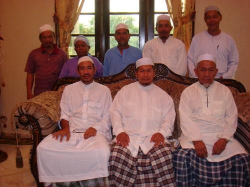 Bergambar bersama YB tawang Ustaz Hassan Mahmod