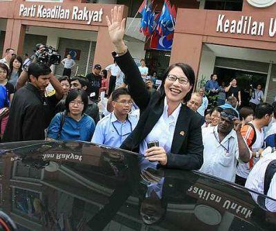 Namun demikian pendirian ini juga harus diimbangi dengan prinsip menghormati hak peribadi seseorang dan kerajaan negeri amat serius mempertahankan hak ini - MB Selangor