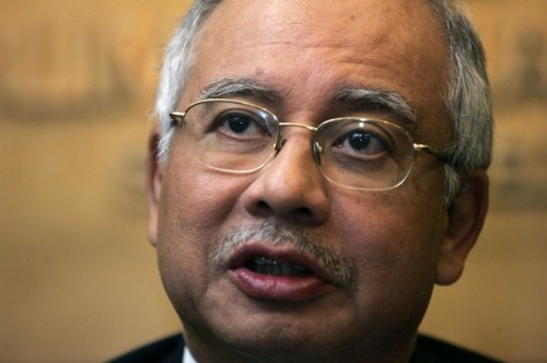 Najib bertanggungjawab sepenuhnya mengaibkan Malaysia di peringkat antarabangsa dengan tindakan kerajaan beliau enggan menghormati doktrin pengasingan kuasa sehingga mencetuskan krisis di Perak.