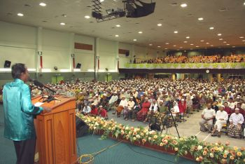 Ketika saya masih lagi speaker yang sah, Adun Barisan Nasional melantik pula speaker baru. Speaker tersebut diibaratkan duri dalam daging.