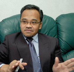 Kalau hangpa pilih Ustaz Nasha pun aku tak boleh nak kata apa…tapi aku juga seronok sebab Pas dan PKR sudah sama. Sama-sama ada pemimpin yang berbudaya Umno.