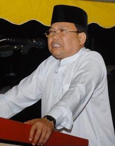 Ibrahim katak mengajak semua pengundi-pengundi di MU supaya memberi Undi Untuk UMNO...