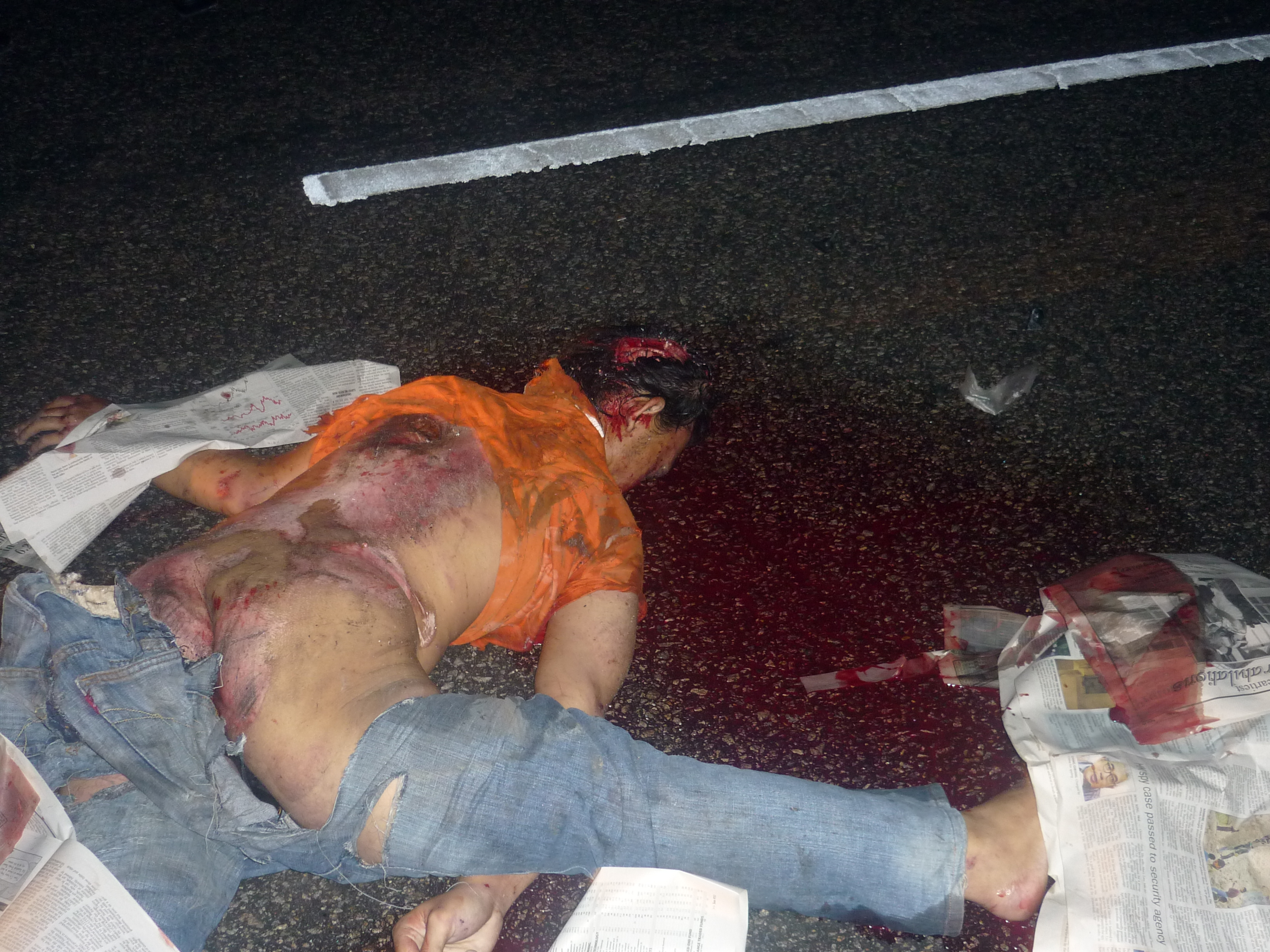 Kemalangan Ngeri… Polis Mengutip Cebisan Otak