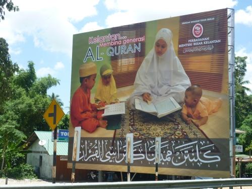Billboard yang dipasang  oleh PMBK hasil daripada idea dan saranan TGNA