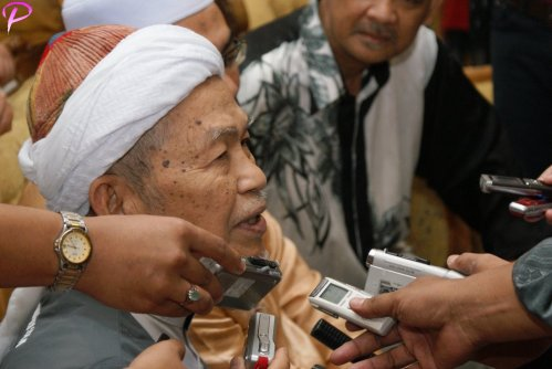 "MCA buang pemimpin yang tidak bermoral tetapi Umno masih memilih pemimpin yang terlibat dengan masalah moral (rasuah),"""